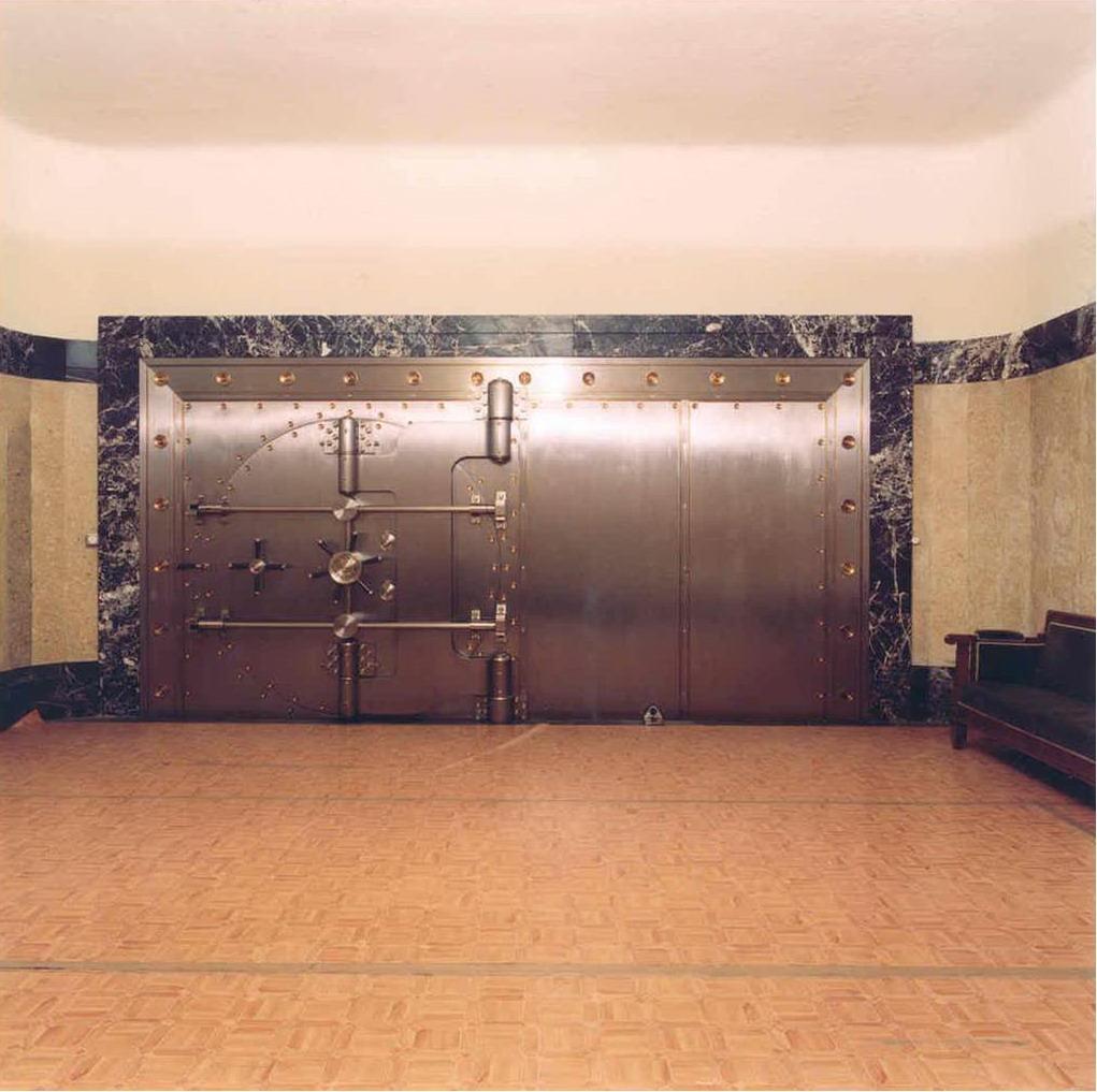 primera puerta acorazada de 16 toneladas de peso